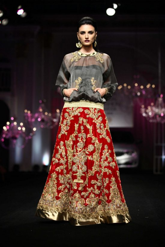 Shane_falguni_peacock_india_bridal_week_201423