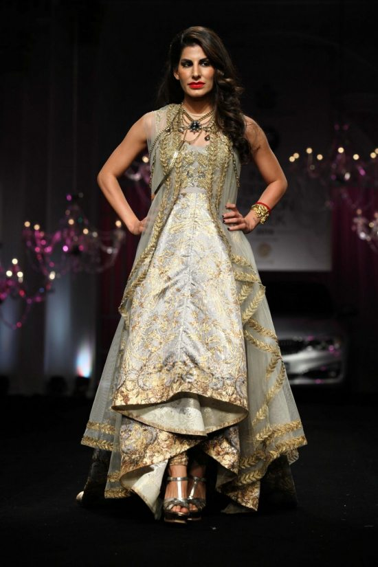 Shane_falguni_peacock_india_bridal_week_201426
