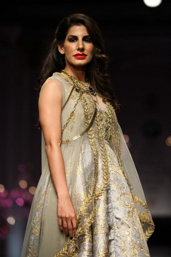 Shane_falguni_peacock_india_bridal_week_201428