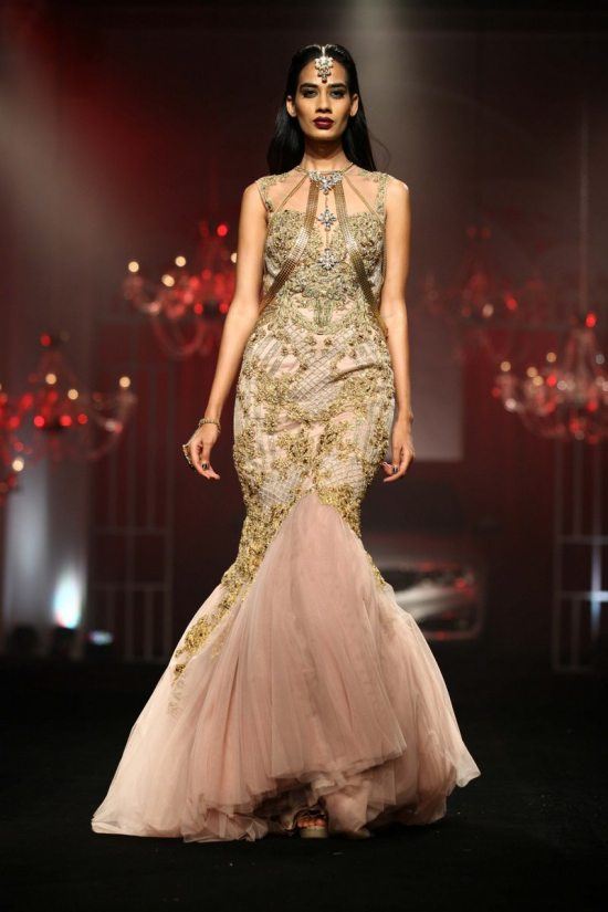 Shane_falguni_peacock_india_bridal_week_20144