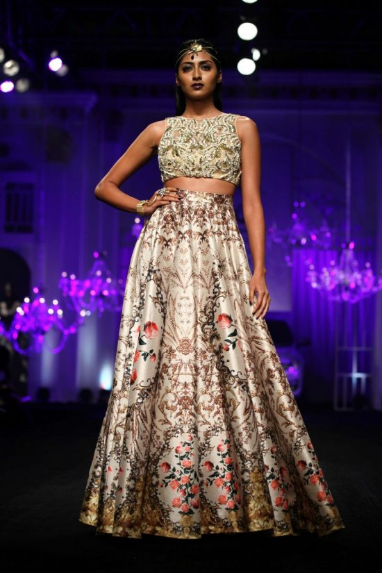 Shane_falguni_peacock_india_bridal_week_20149