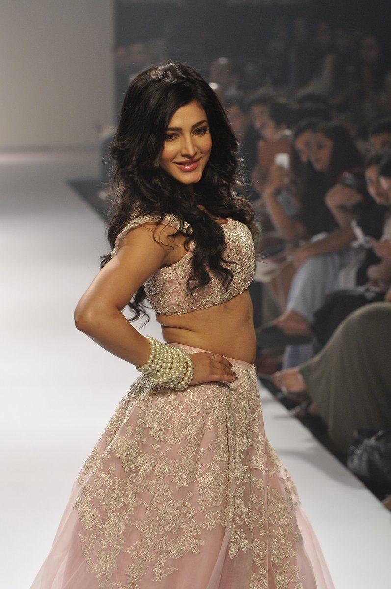 Shruti Haasan Shehla Khan (10)