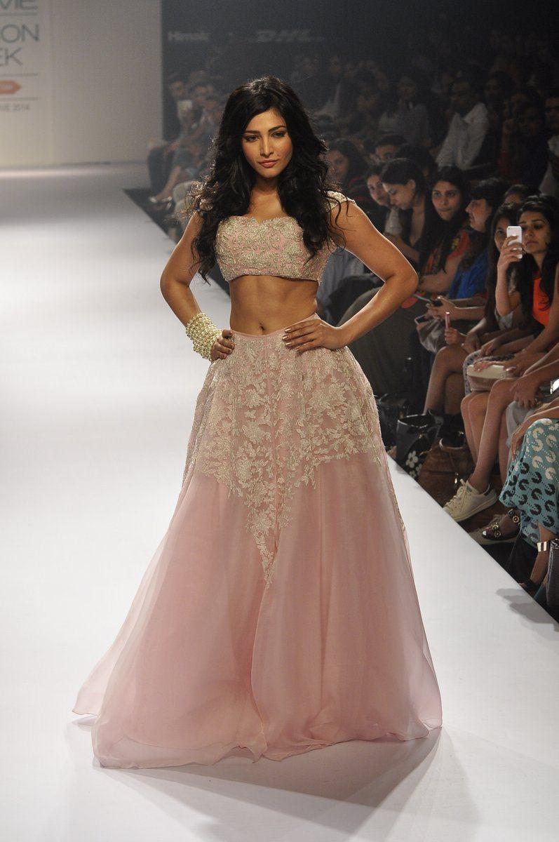 Shruti Haasan Shehla Khan (7)