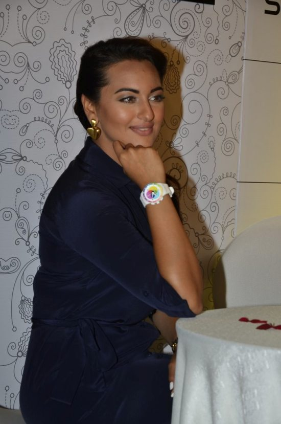 Sonakshi_Sinha_Swatch_new_collection81