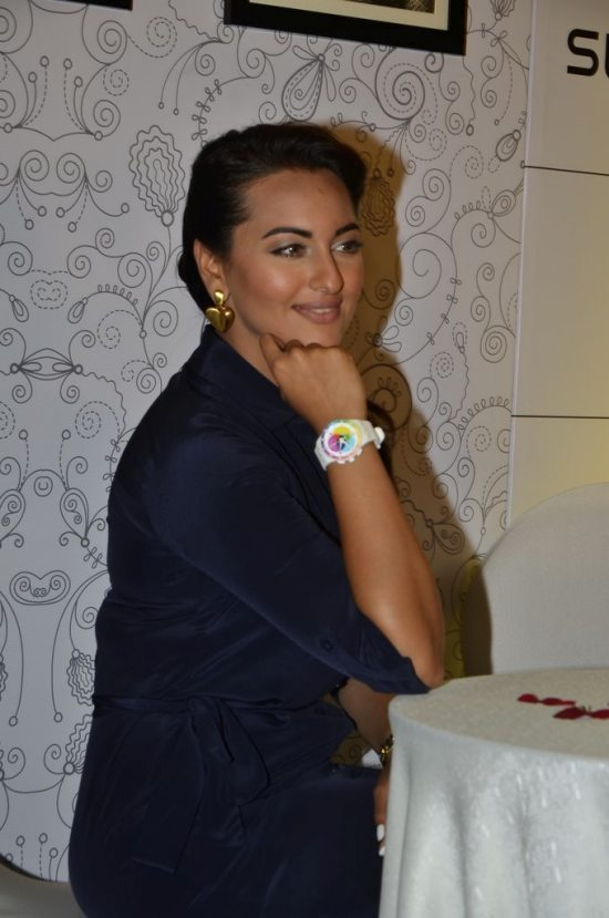 Sonakshi_Sinha_Swatch_new_collection82