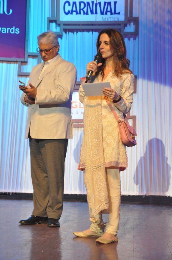 Sussanne_Khan_Fempowerment_Women_Achievers_Award_201430