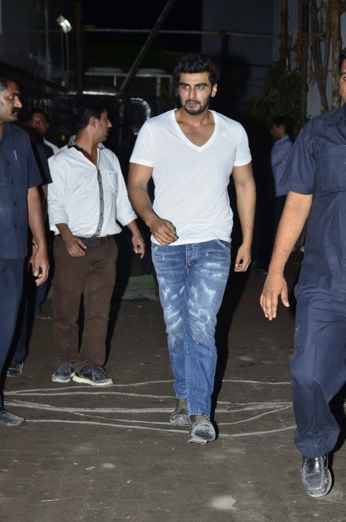 Arjun Kapoor at Tevar completion bash (4)