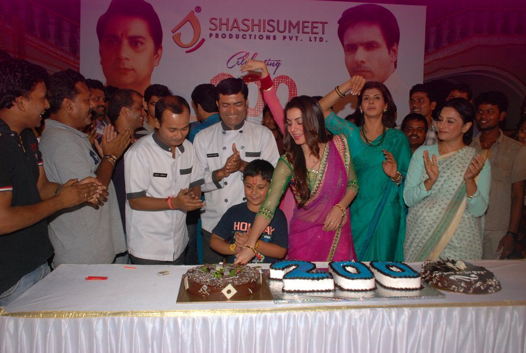 Tumhari Pakhi 200 episodes celebrations (3)