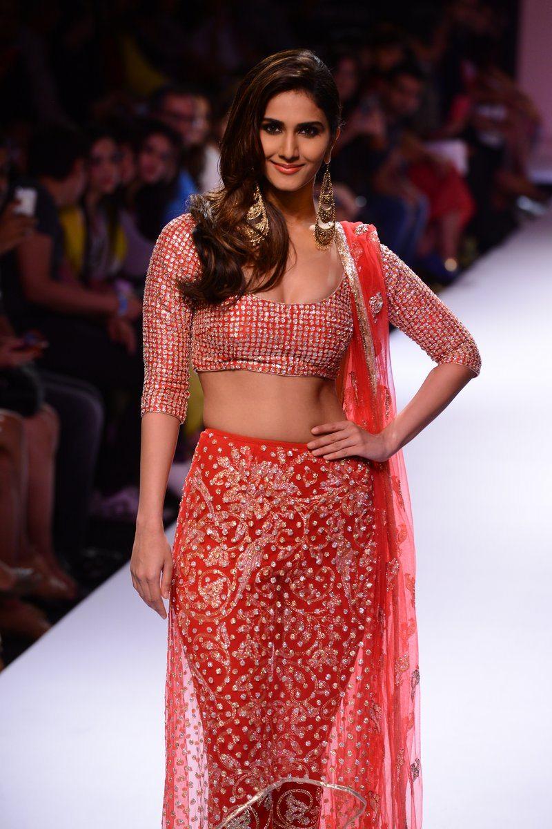 Vaani Kapoor Payal Singhal (7)