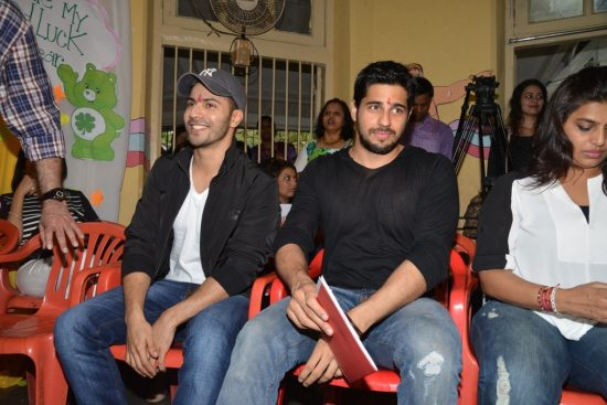 Varun-Dhawan-And-Siddharth-Malhotra-meet-at-an-ngo24