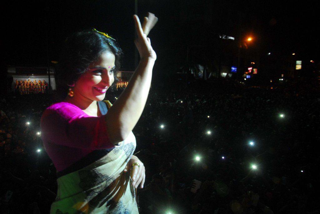 Vidya Balan donation (5)