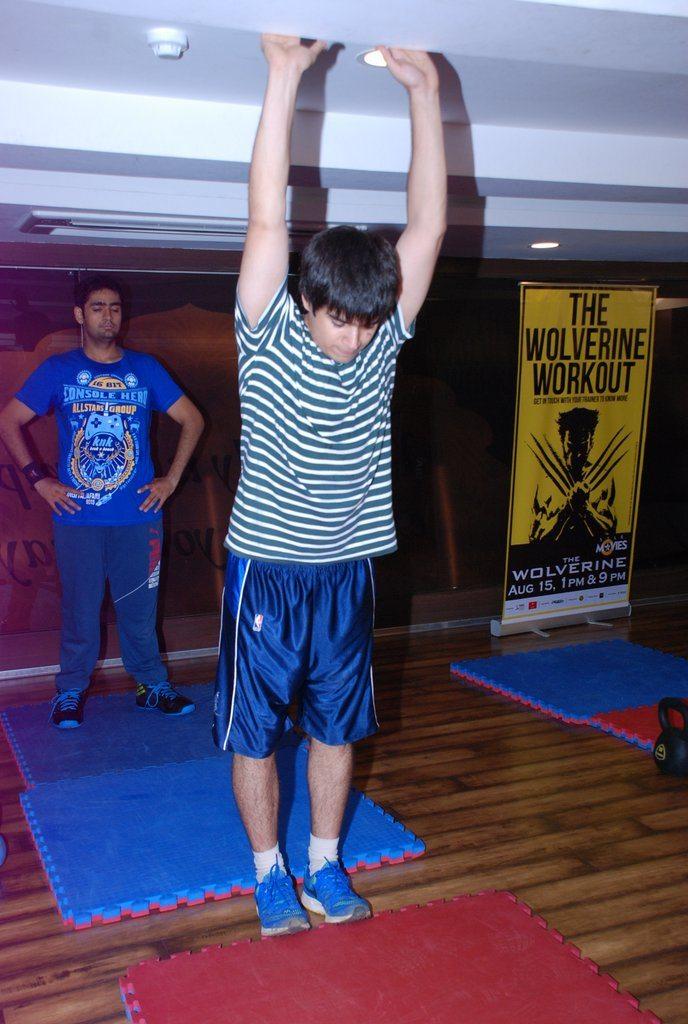 Vivaan shah gold gym (1)