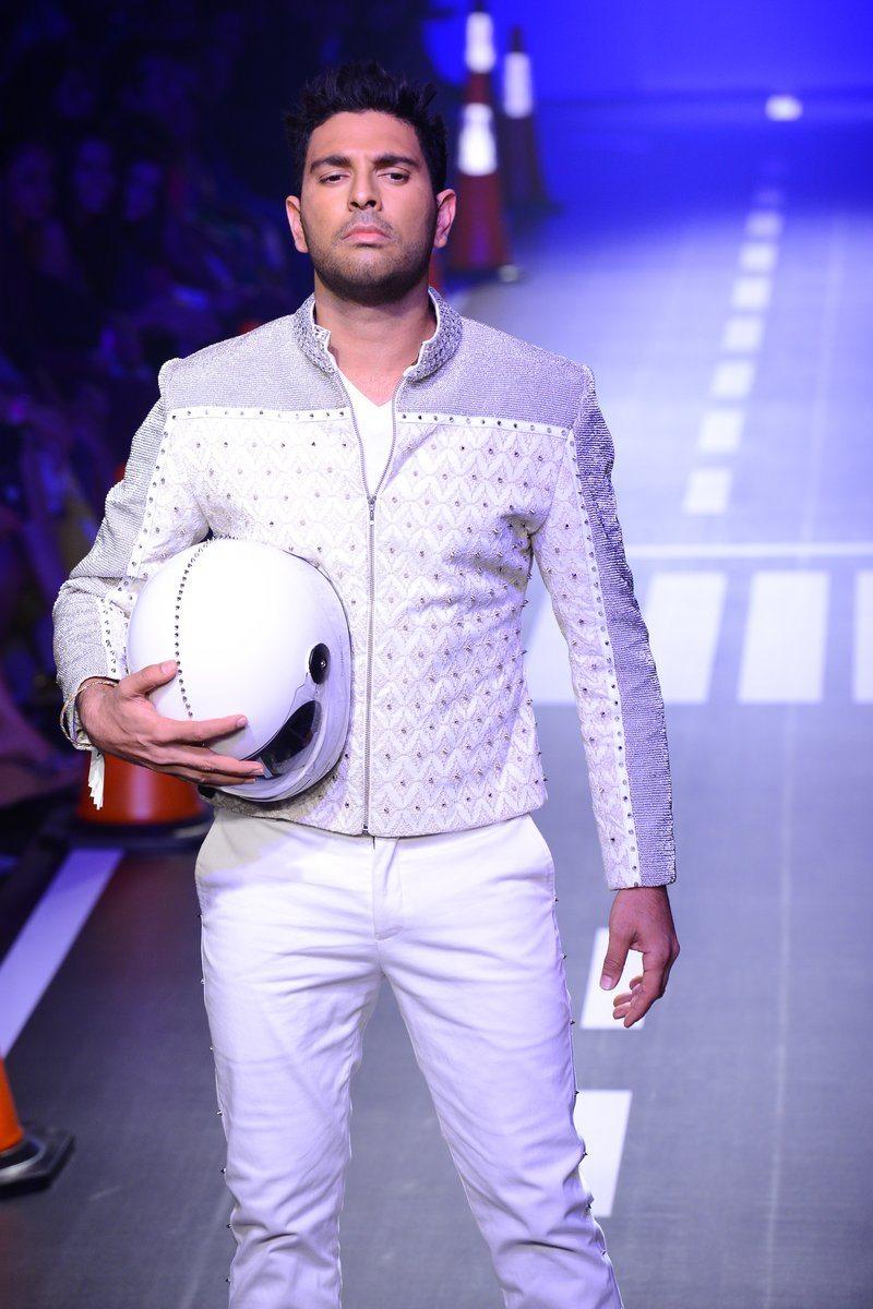 Yuvraj Singh Arjun Khanna (11)