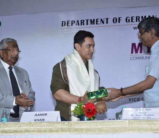 Aamir Khan launches book 'My Marathi' – Photos