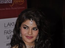 Lakme Fashion Week Winter/Festive 2014 Photos – Jacqueline Fernandez walks for Anju Modi on Day 2