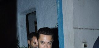 Aamir Khan with mother at Vidhu Vinod Chopra Studios
