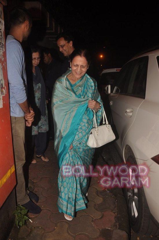 Aamir_mother zeenat hussain_vidhu vinod chopra-5