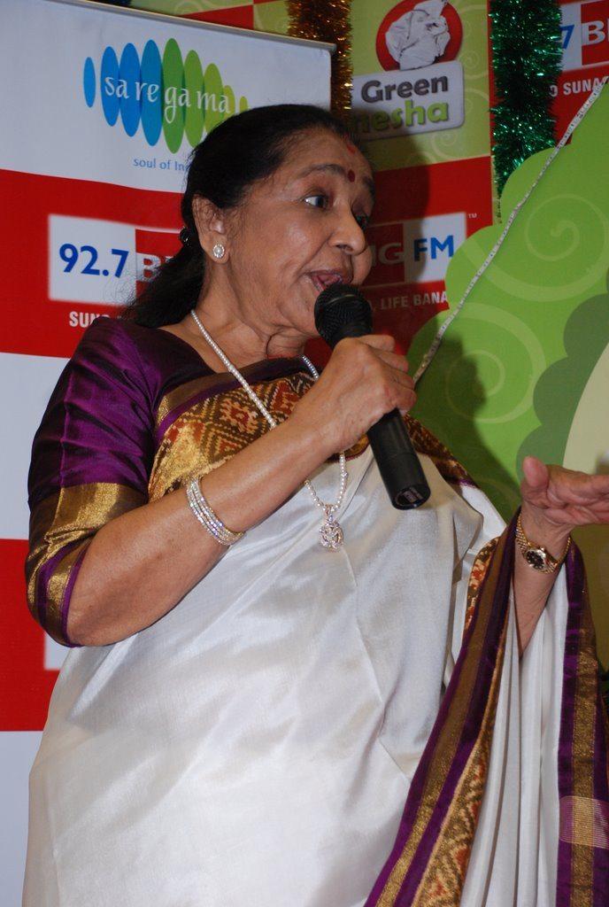 Asha Bhonsle Ganesh BIG FM (5)