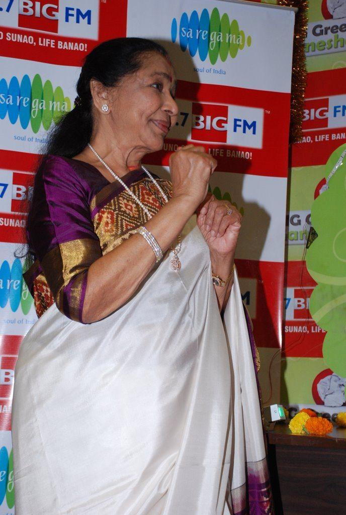 Asha Bhonsle Ganesh BIG FM (6)