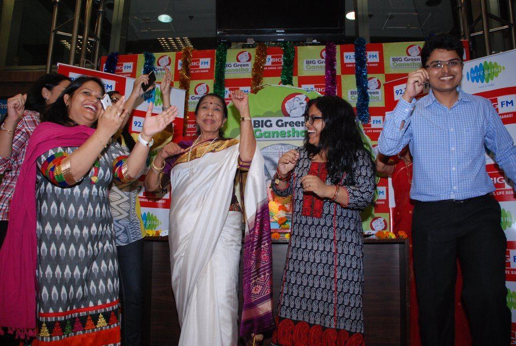 Asha Bhonsle Ganesh BIG FM (7)