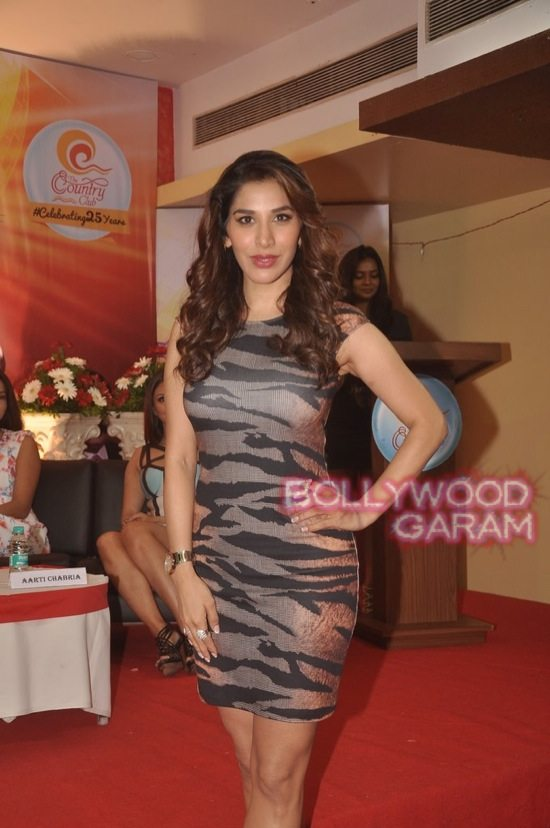 Bollywood Divas at Country Club-7