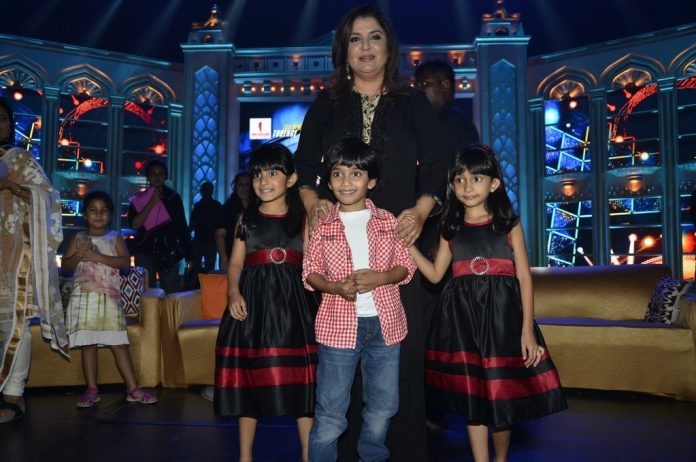 Farah Khan And Kids (1)