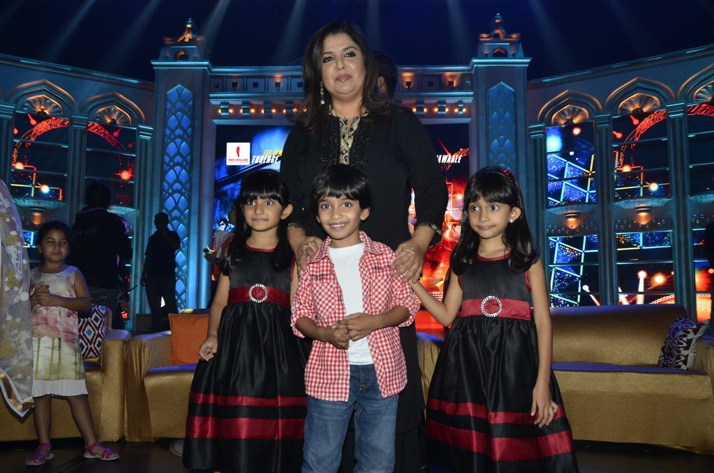 Farah Khan And Kids (2)