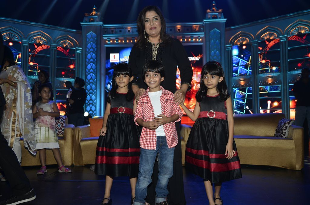 Farah Khan And Kids (4)