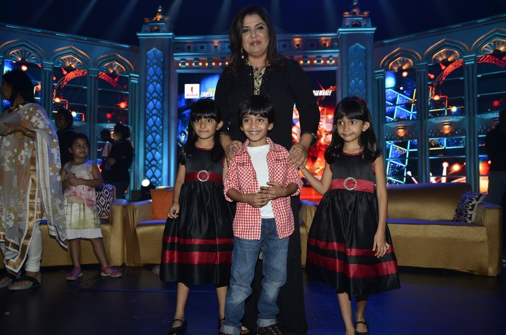 Farah Khan And Kids (5)