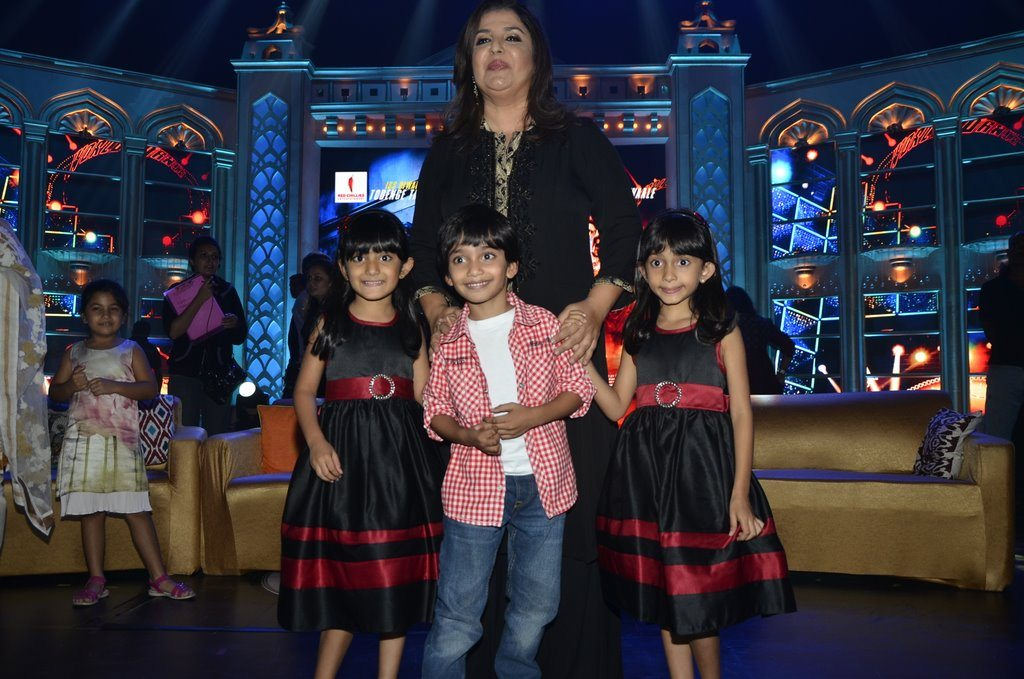 Farah Khan And Kids (8)
