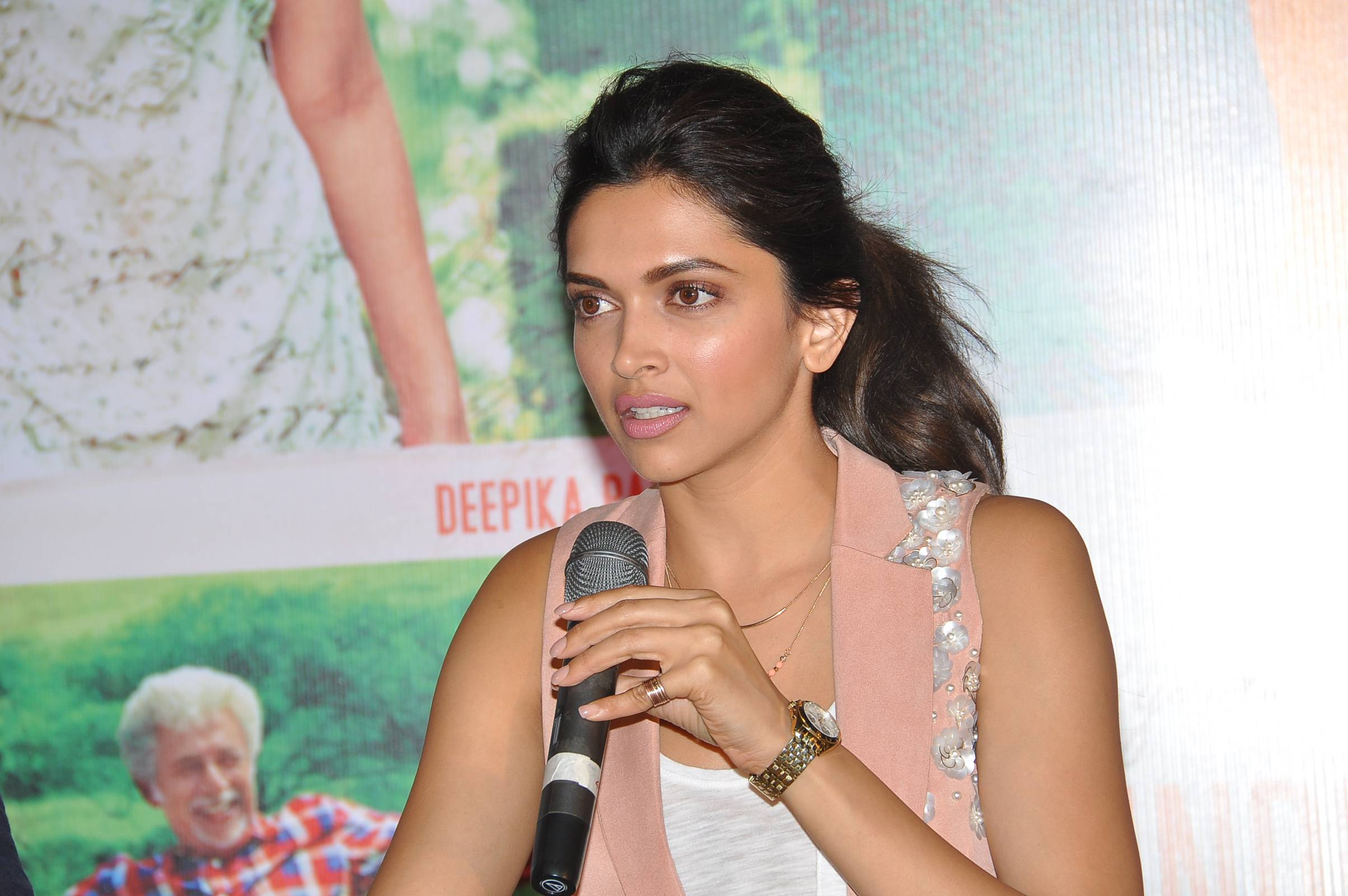 Finding fanny hyderabad (3)