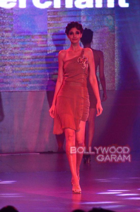 Globoil Awards Raveena and Soha-3