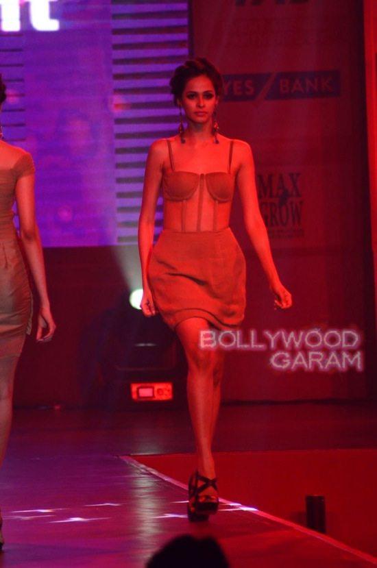Globoil Awards Raveena and Soha-5