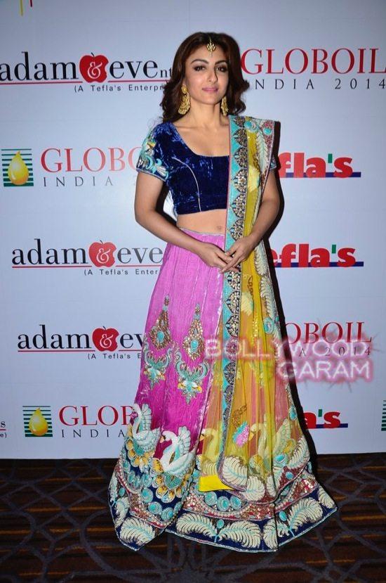 Globoil Awards Raveena and Soha-7