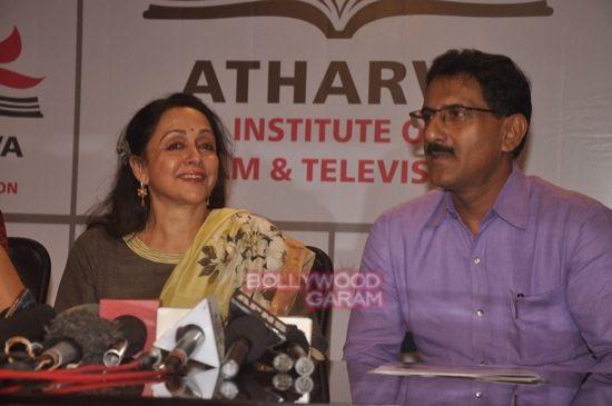 Hema malini at atharva college-10