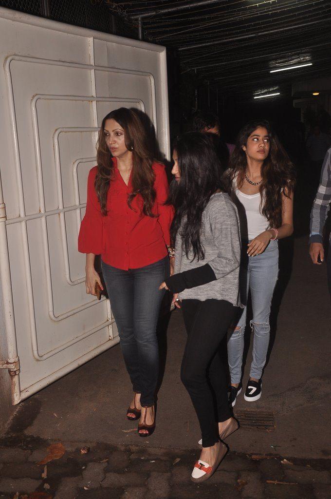 Jahnavi Kapoor Snapped (4)
