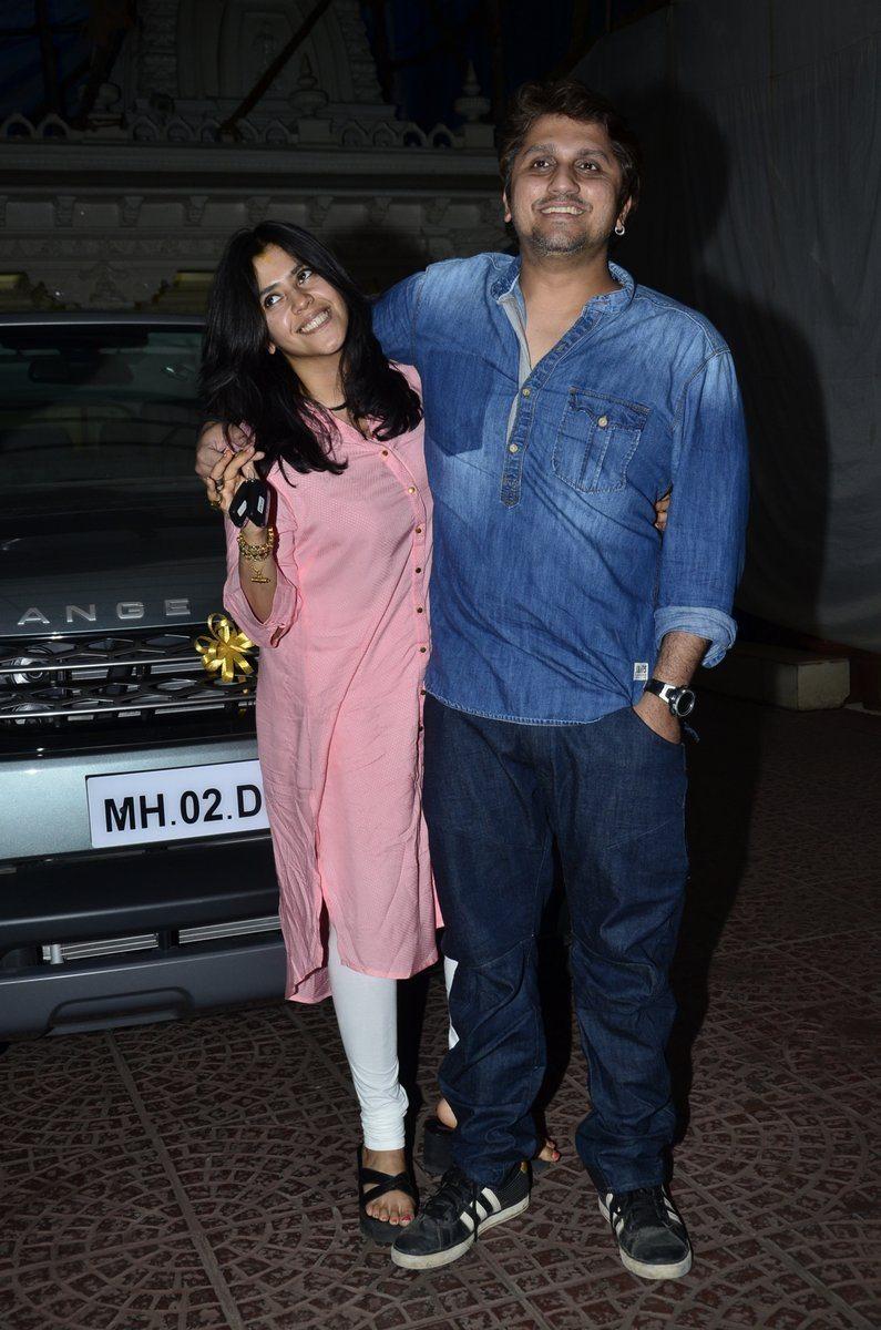Mohit ekta gift (4)
