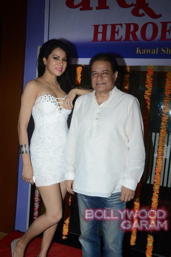Priyanka Agarwal Anup Jhalota dhansu heroes-3