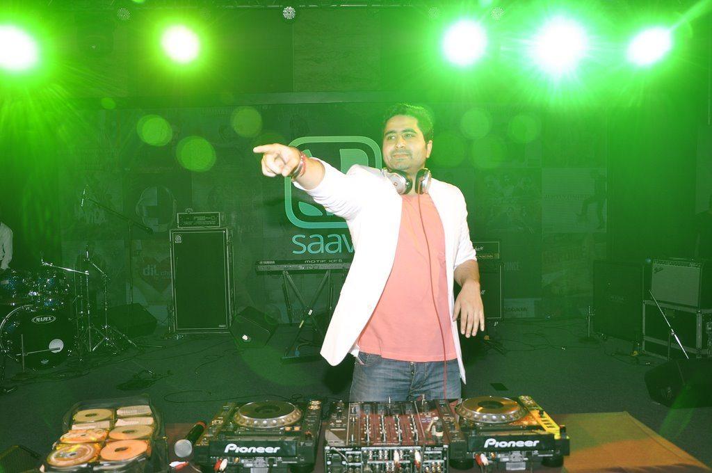Ranbir DJ Khushi (6)