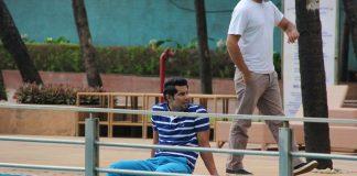 Randeep Hooda relaxes by the poolside – Photos