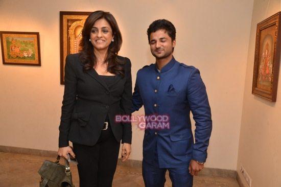 Rani Mukerji at art exhibition launch-12