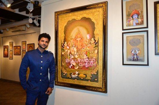 Rani Mukerji at art exhibition launch-2