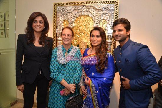 Rani Mukerji at art exhibition launch-8