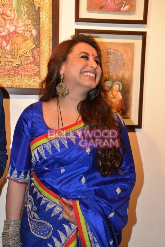 Rani Mukerji at art exhibition launch-9
