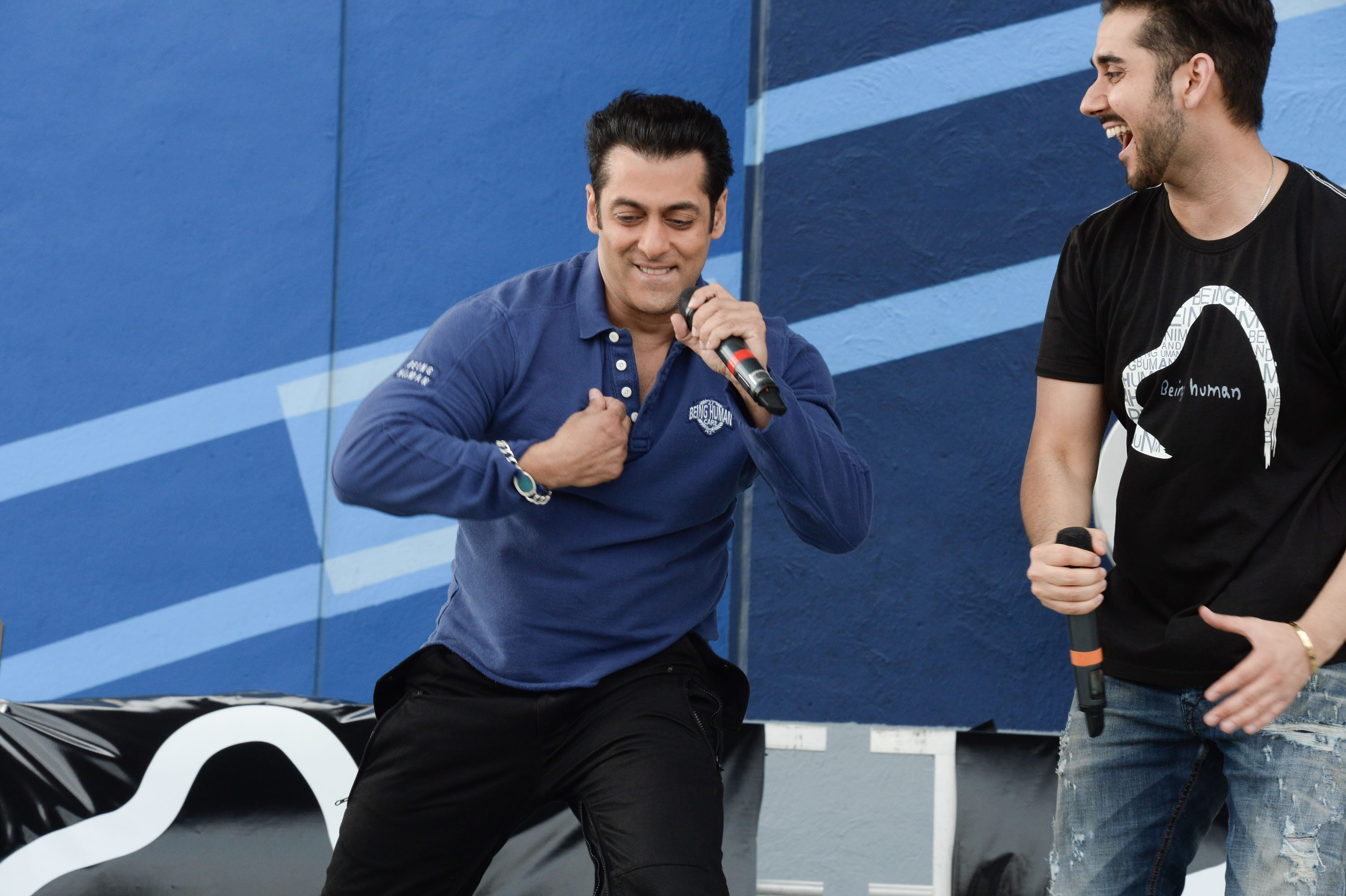 Salman Khan at Dr Cabbie  (2)