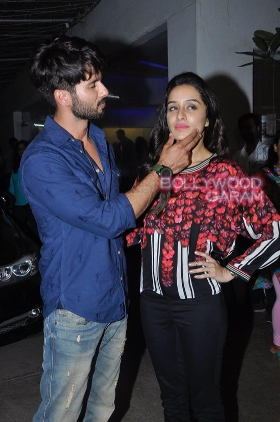 Shraddha Kapoor and Shahid Kapoor at Haider screening-3