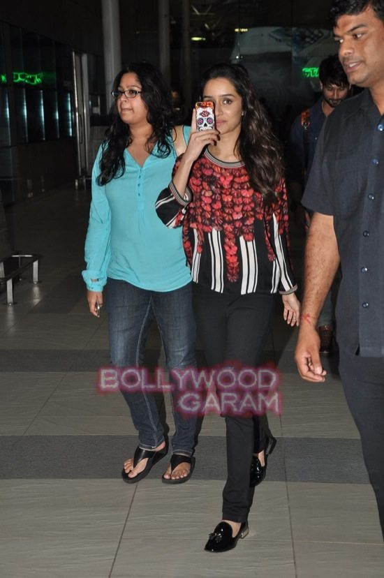 Shraddha kapoor mumbai airport 2