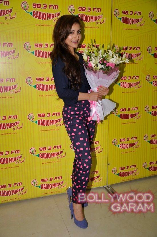 Soha Ali Khan Radio Mirchi-3