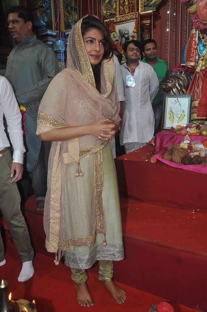 priyanka ganesh festival (1)