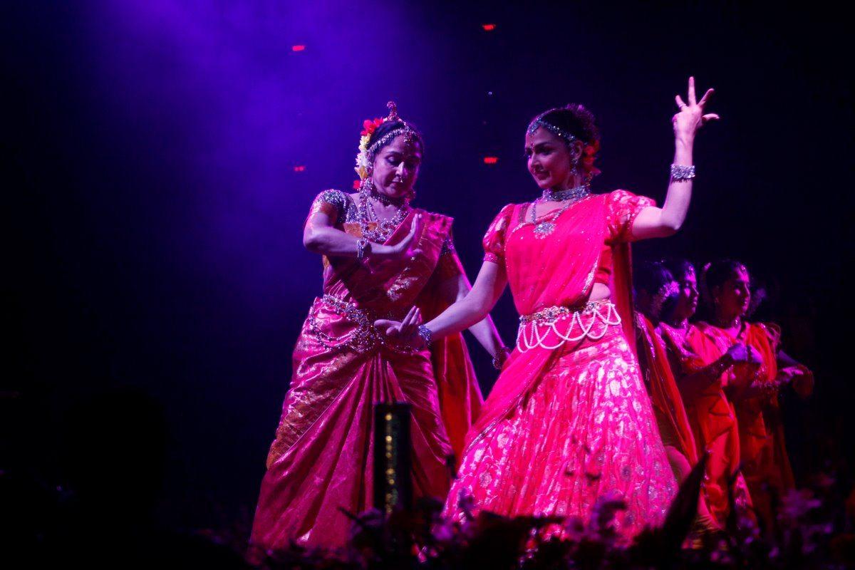 Hema Malini and Karisma Kapoor